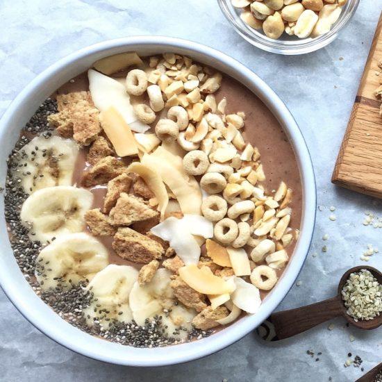 Banana cocoa nibs smoothie